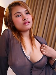 Busty Thai beauty deals with foreign cock
