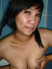 Cute little Thai babe Kaey takes a shower and does selfshot pics