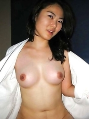 Naked Chinese slut in a motel