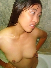 Nice collection of an amateur Filipina hottie who got naked
